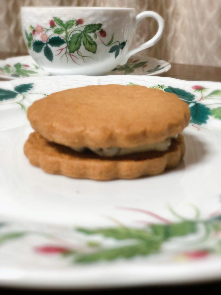 葉山 三角屋根 パンとコーヒー レーズンバターサンド