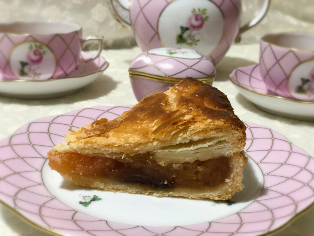 葉山 三角屋根 パンとコーヒー アップルパイ