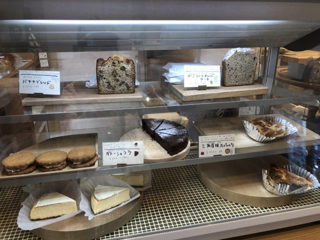 葉山 三角屋根 パンとコーヒー スウィーツメニュー
