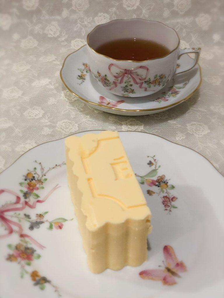 エシレ 丸の内 限定バターケーキ 1/4サイズ