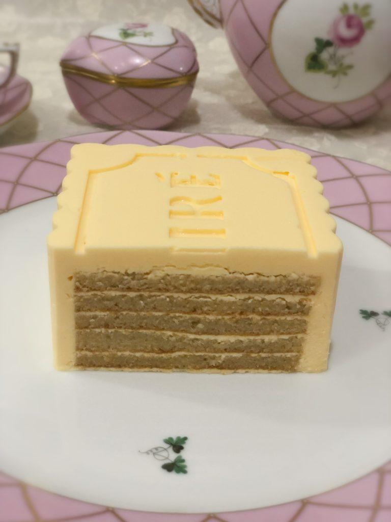 エシレ 丸の内 限定バターケーキ ジョコンド生地